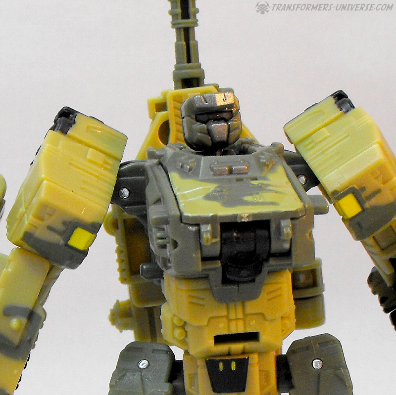 Power Core Combiners Heavytread (2010)