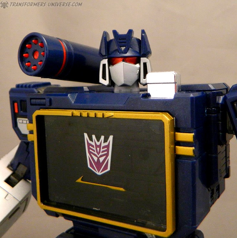 Masterpiece Soundwave (2012)