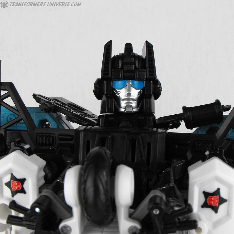 Combiner Wars Defensor (2015)