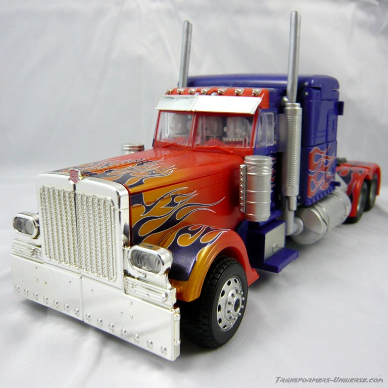 content/images/galerie/pics/855/85509_BusterPrime_Truck.jpg