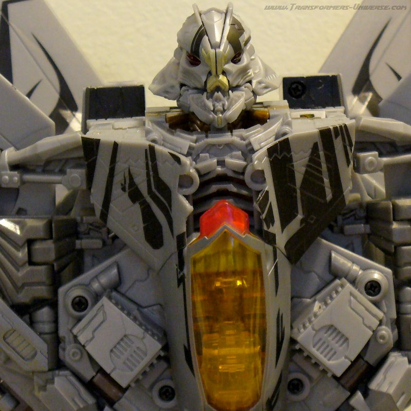 Hunt for the Decepticons Starscream (2010)