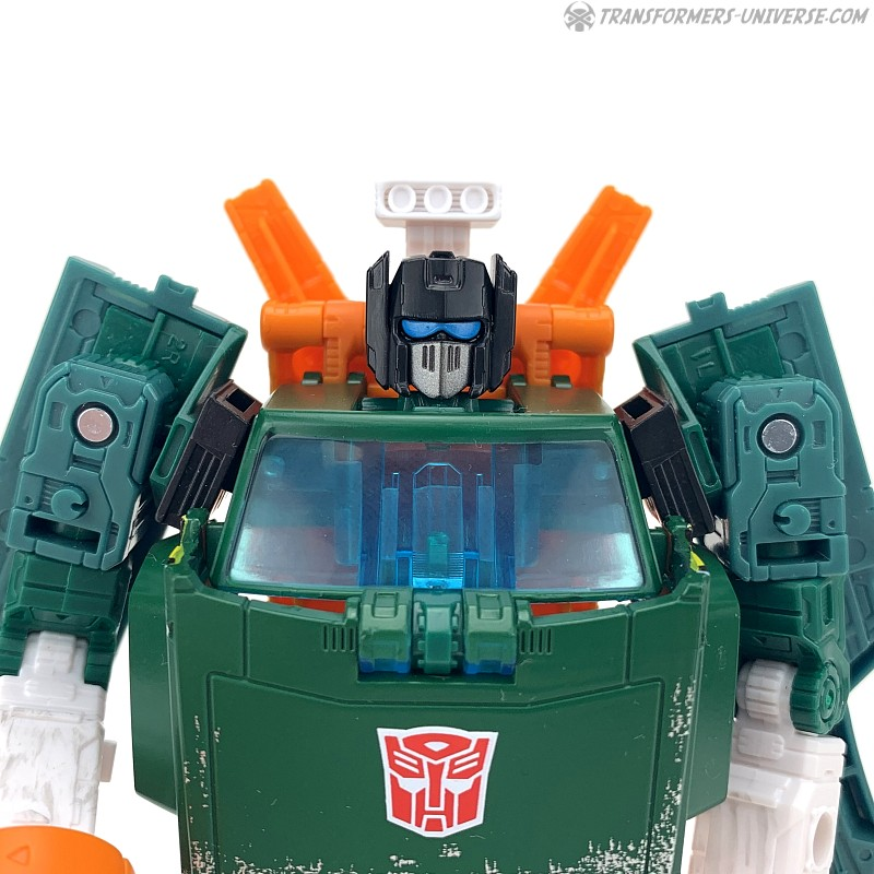 War for Cybertron: Earthrise Hoist (2020)